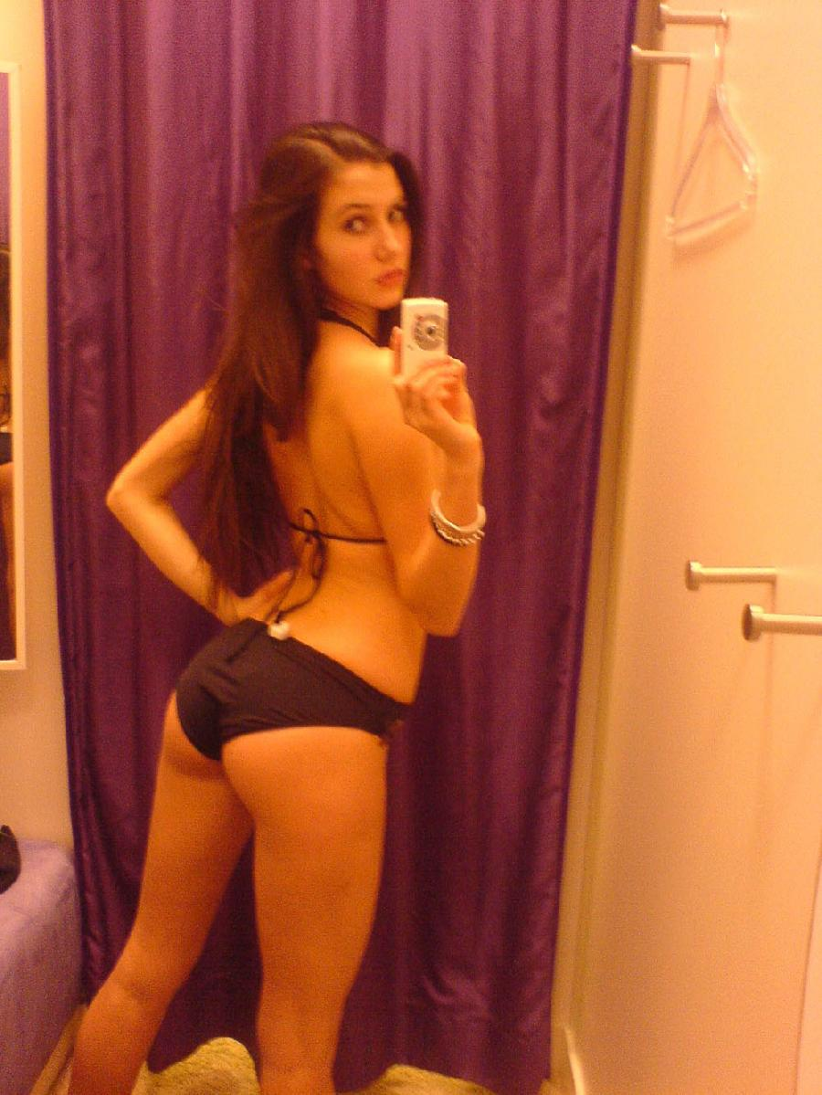 Green eyed amateur taking nude selfshots pictures - 8
