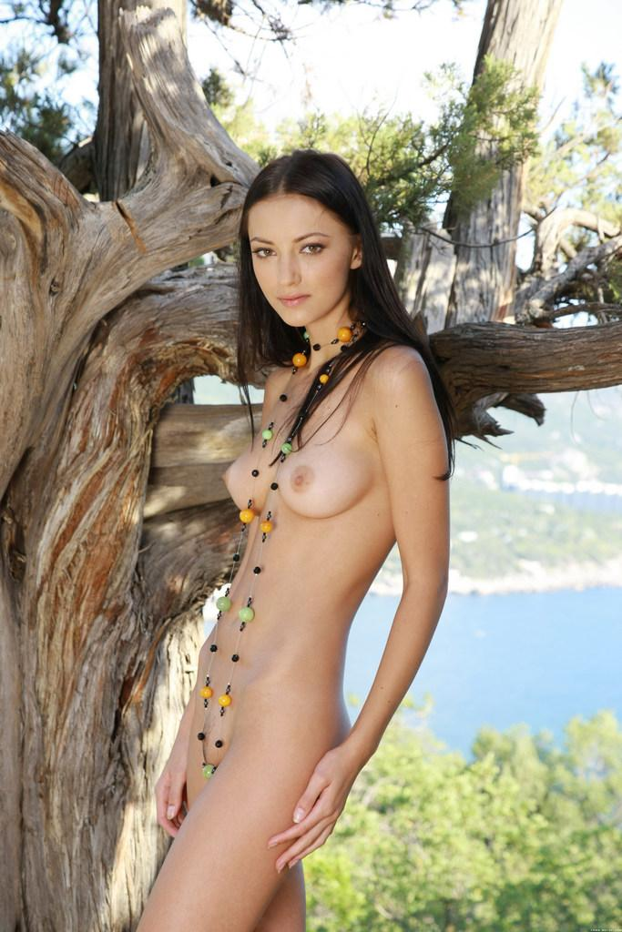 Beautiful brunette and beautiful landscape - Anna - 1