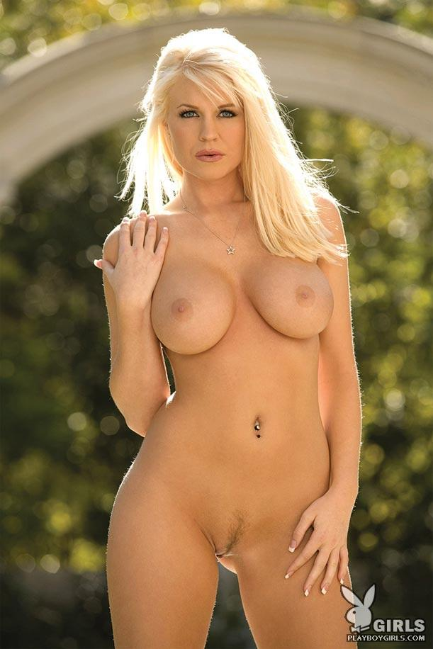 Hot blonde in bikini - Eryn Ashwyn - 8