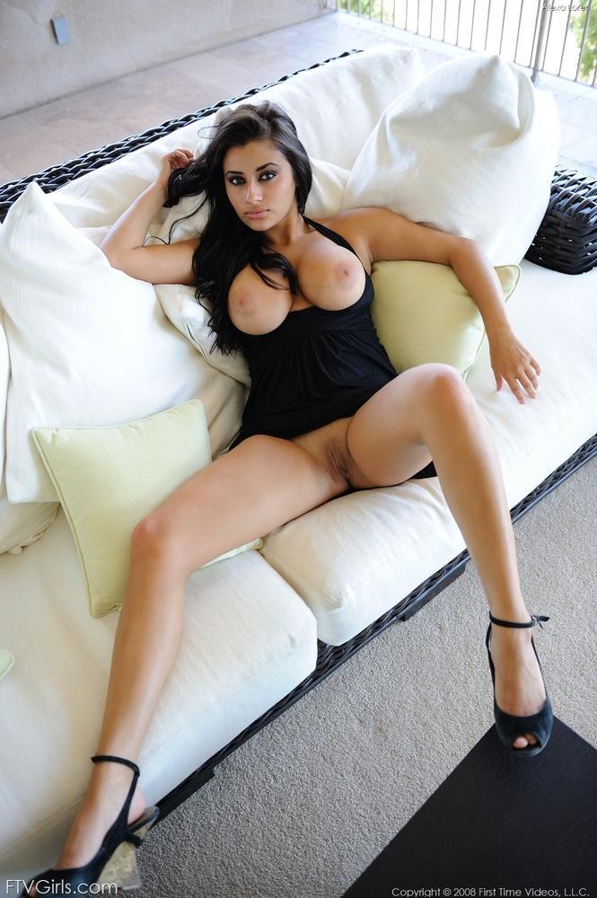 Hot busty brunette babe - Alexa Loren  - 4