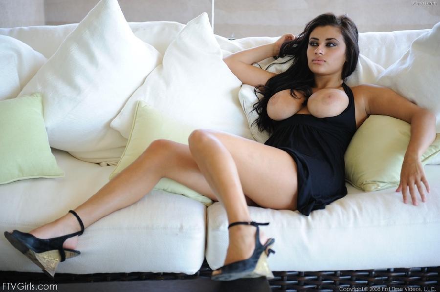 Hot busty brunette babe - Alexa Loren  - 5