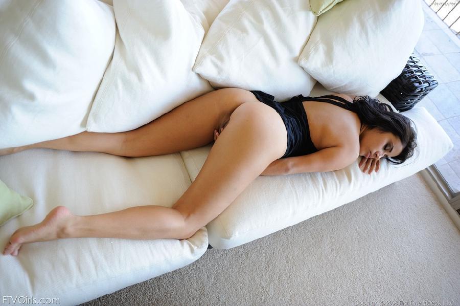 Hot busty brunette babe - Alexa Loren  - 9