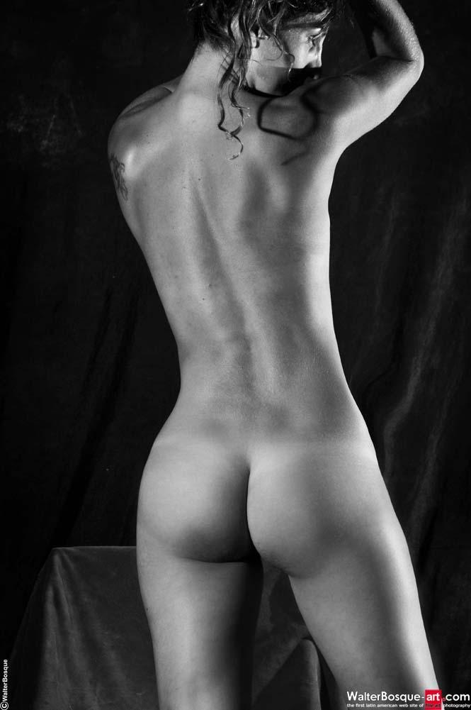 Erotic black and white nudes of a Spanish beauty - 5