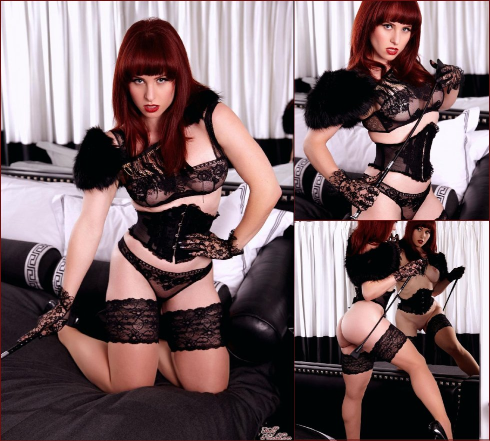 Red queen in black stockings - Andrea - 60