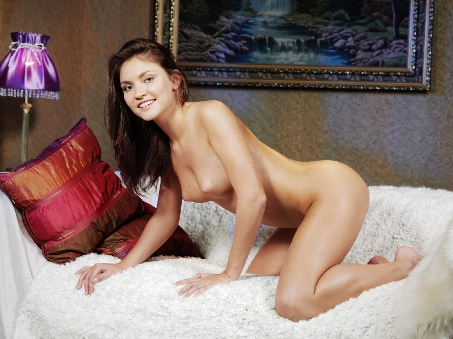 Cute brunette with wet pussy - Cristina - 11