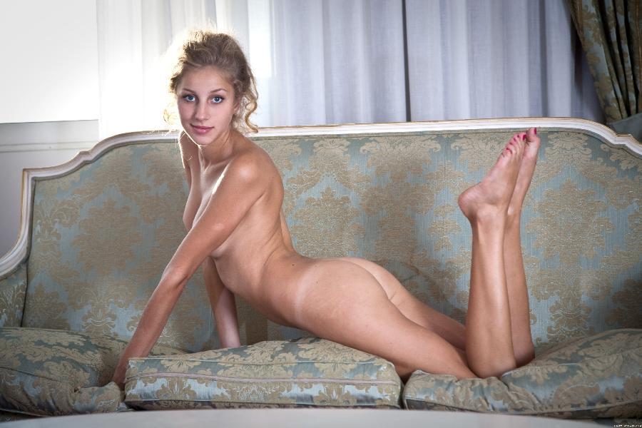 Erika strip sexy corset - 12