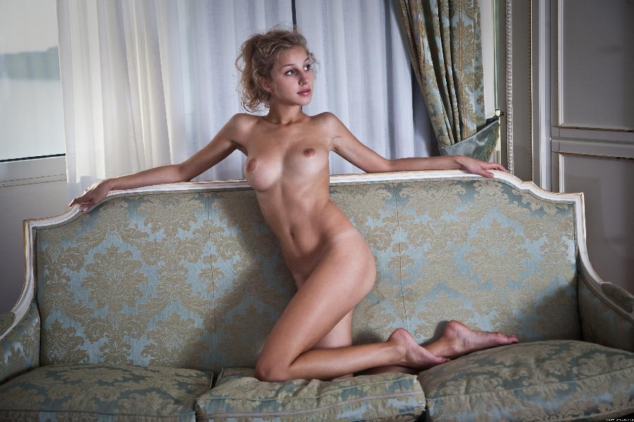 Erika strip sexy corset - 13