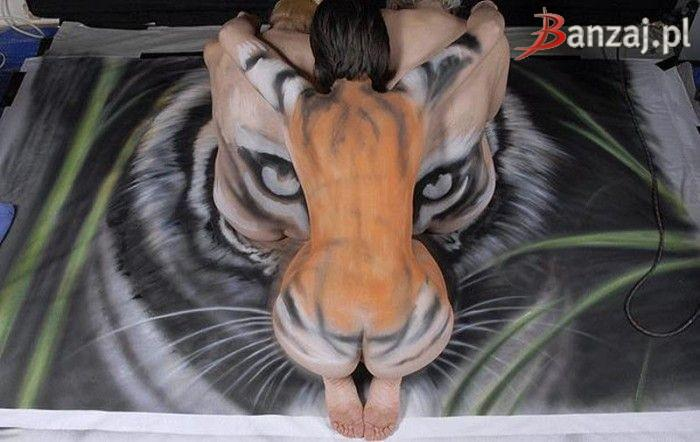 Three women and tiger - 11