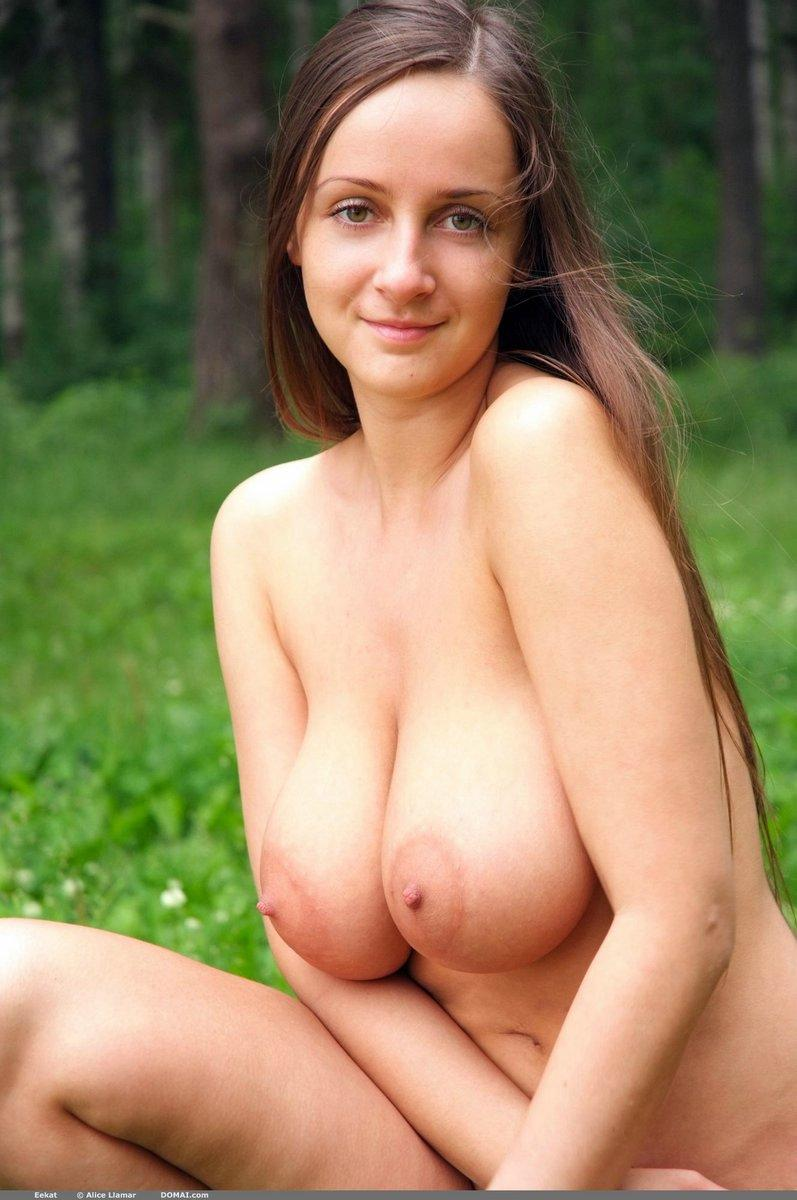 cute girls big natural boobs nude