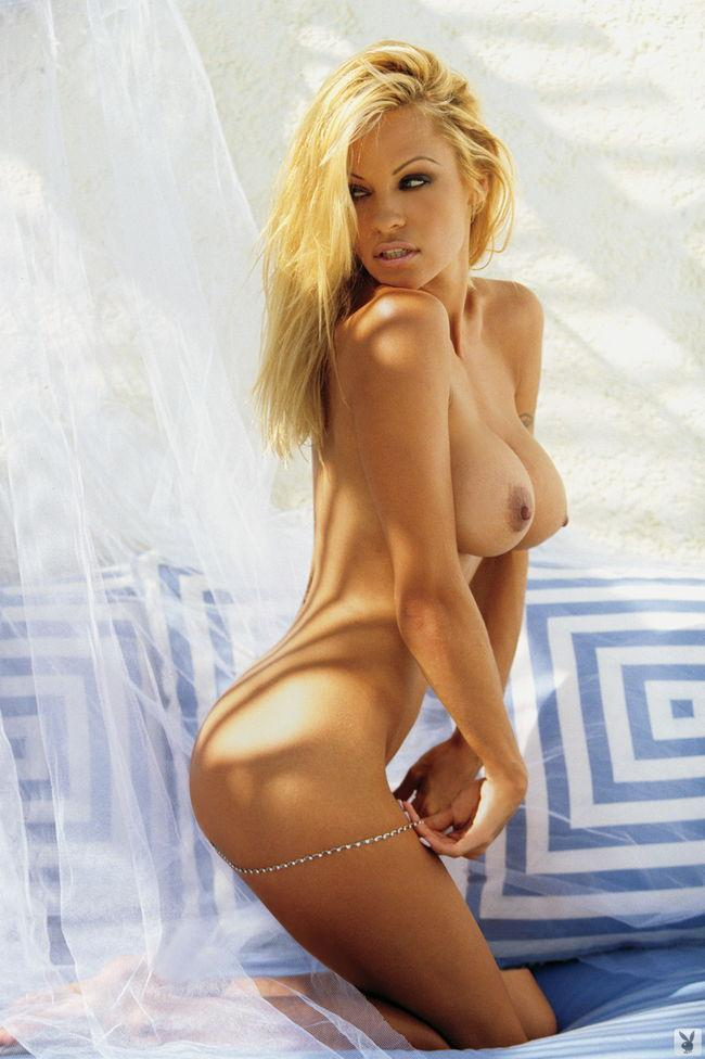 Pamela Anderson in Playboy - 6