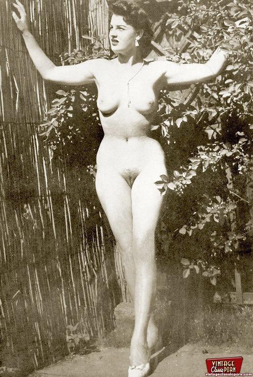 Retro erotica style pics - 1