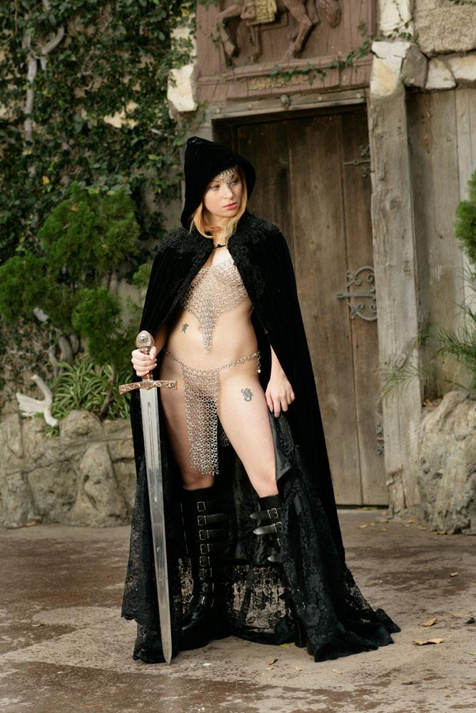 Sexy castle guard Aiden Starr  - 5