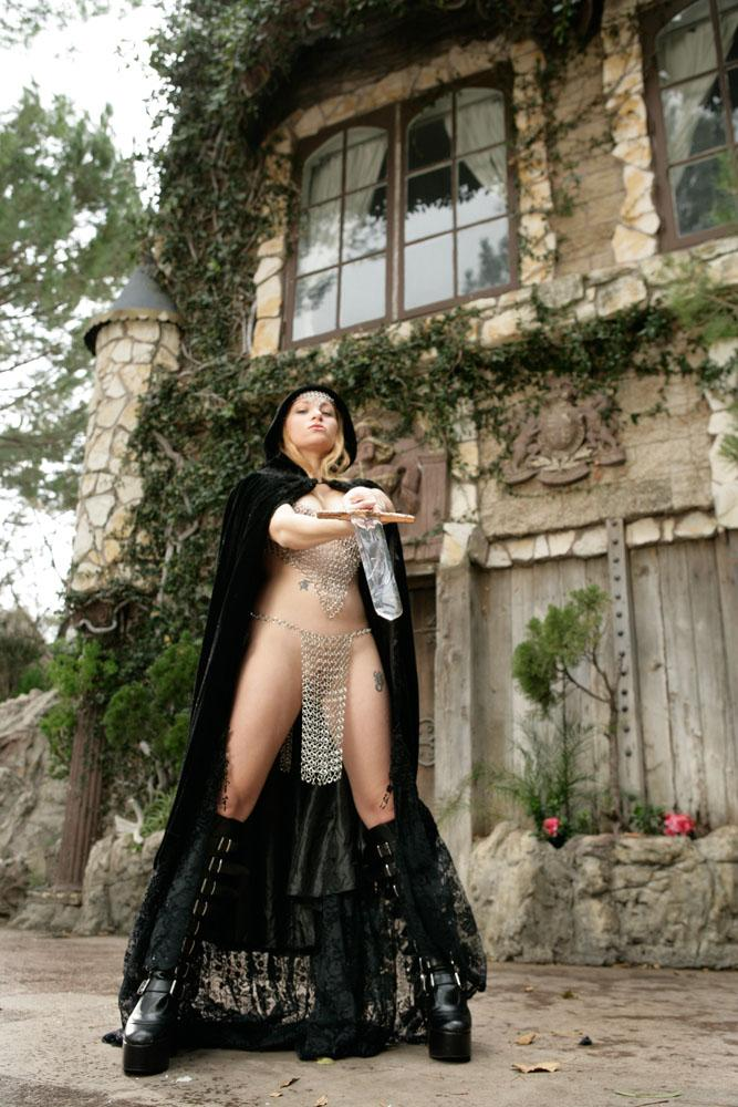 Sexy castle guard Aiden Starr  - 6