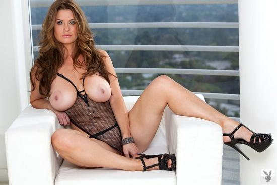 Carrie Stevens with natural tits - 6