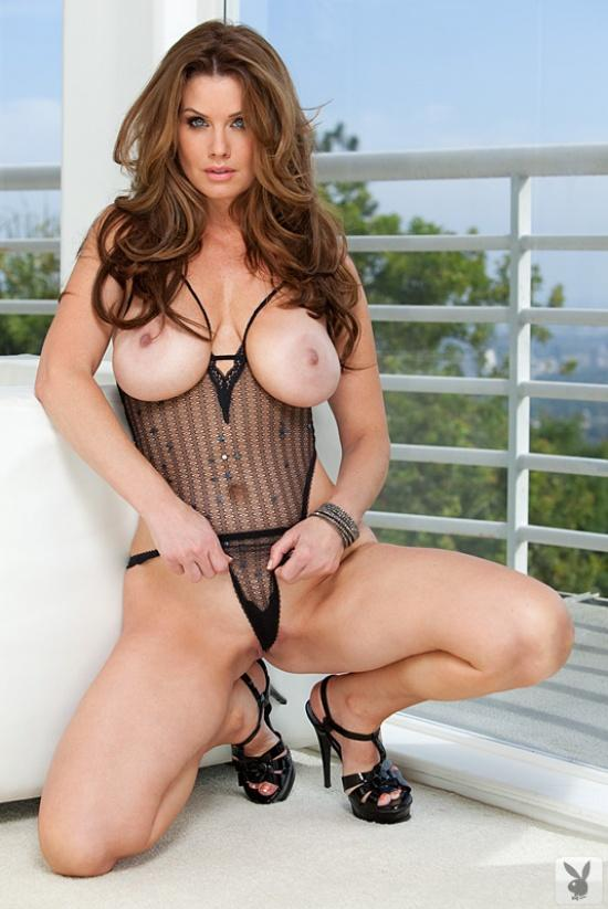 Carrie Stevens with natural tits - 7