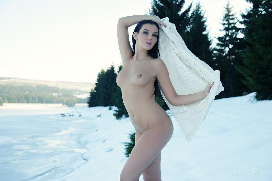 Sexy snow queen nude - 9