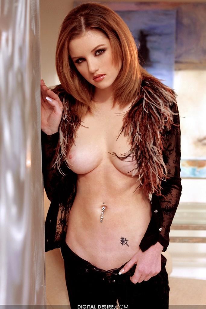 Elita Moore full of eroticism  - 1