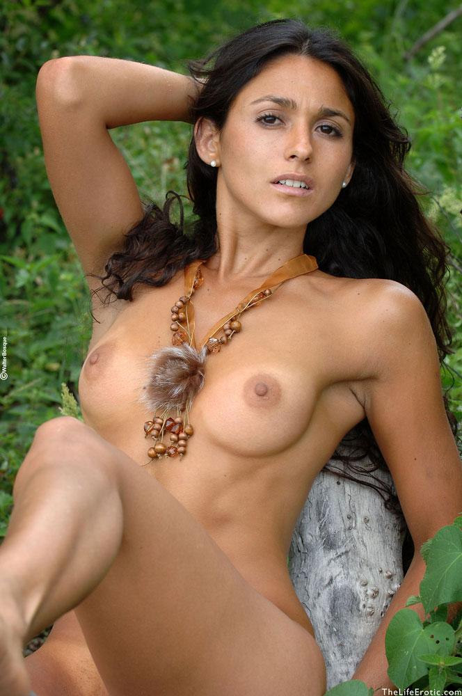 Latin ass naked in the jungle - Martina  - 15