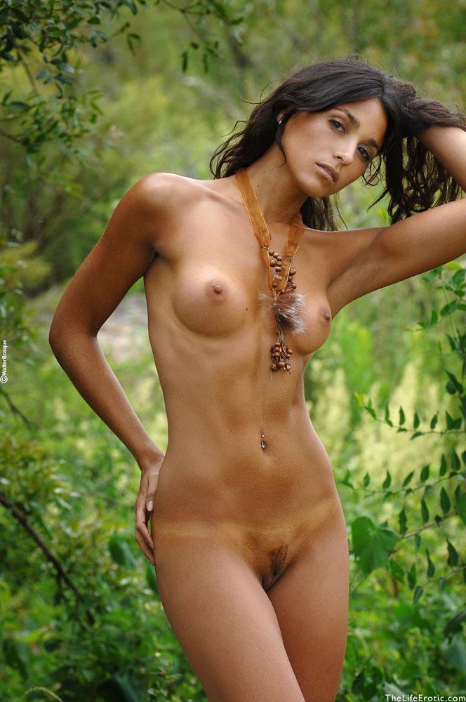 Latin ass naked in the jungle - Martina  - 3