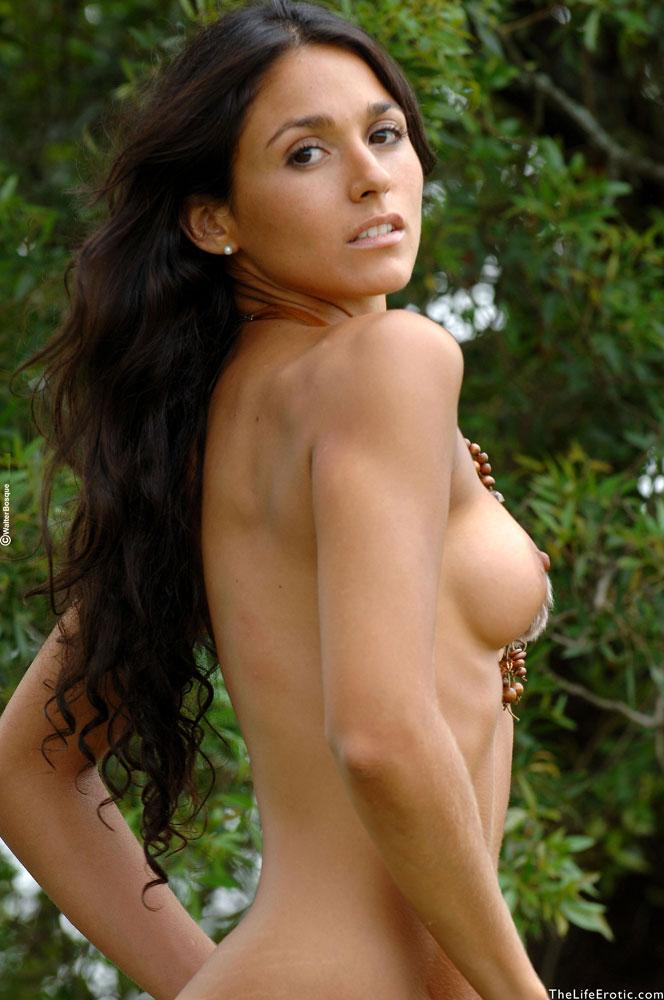 Latin ass naked in the jungle - Martina  - 8