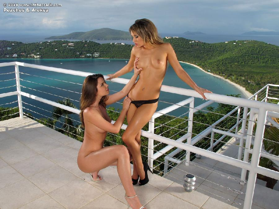 Peaches and Aleksa have sexy asses  - 4