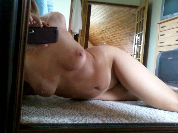 Older nude blonde and her self pics  - 5