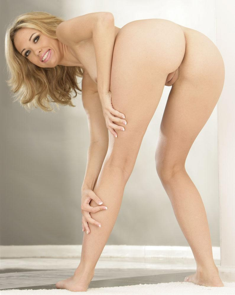 Jenny Hendrix has sexy round ass  - 5