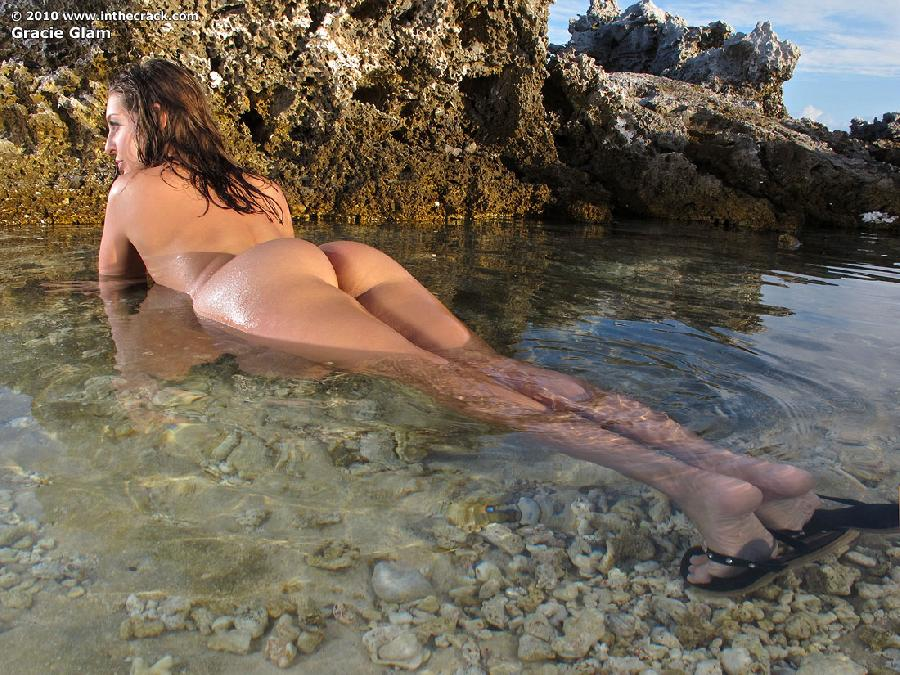Gracie Glam at the beach  - 8