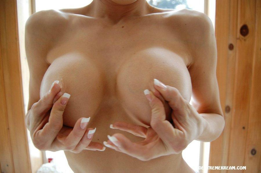 Big amateurs tits  - 9
