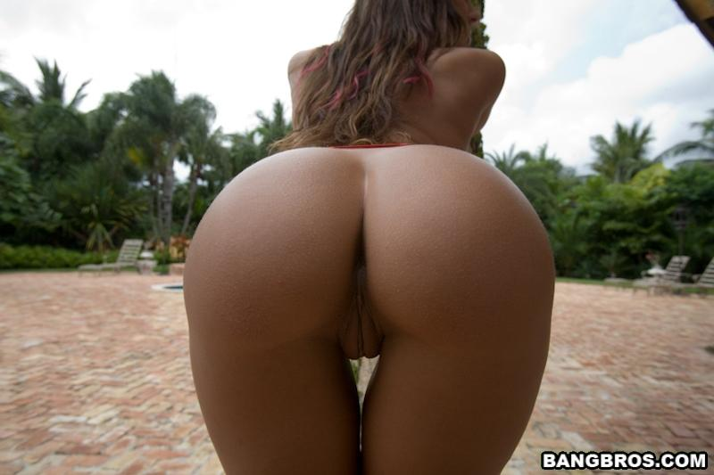 Rachel Starr and her amazing ass - 9
