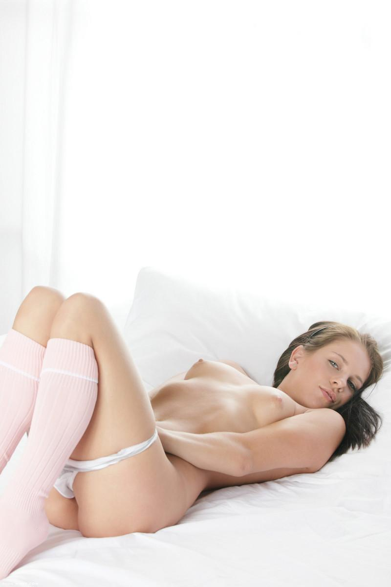 Jessica Rox toy in pussy  - 9