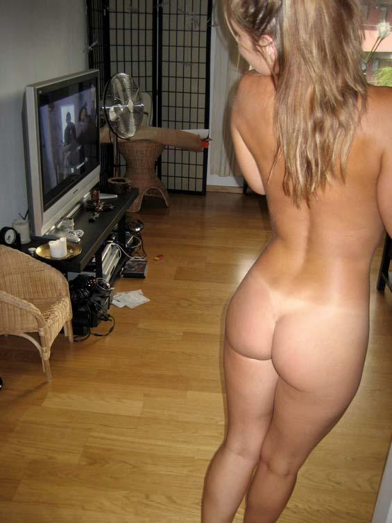 Petite wife showing off in the nude  - 8