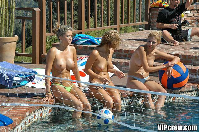Pool parties with hot topless babes - 10