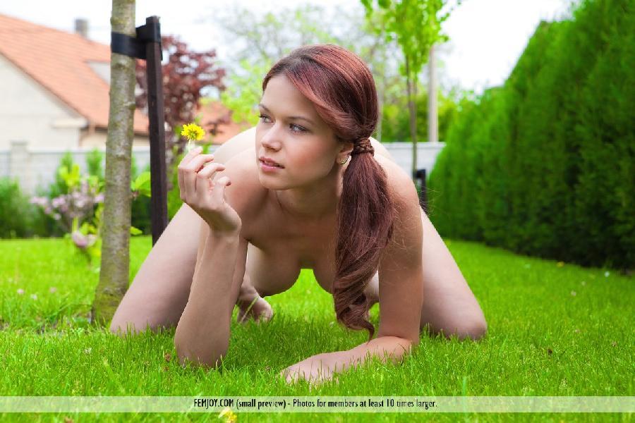 Beautiful Kami Arias ponytail outdoors - 12