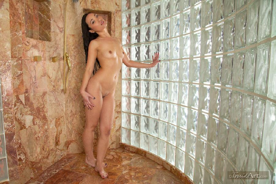 Miko Sinz takes a shower - 6