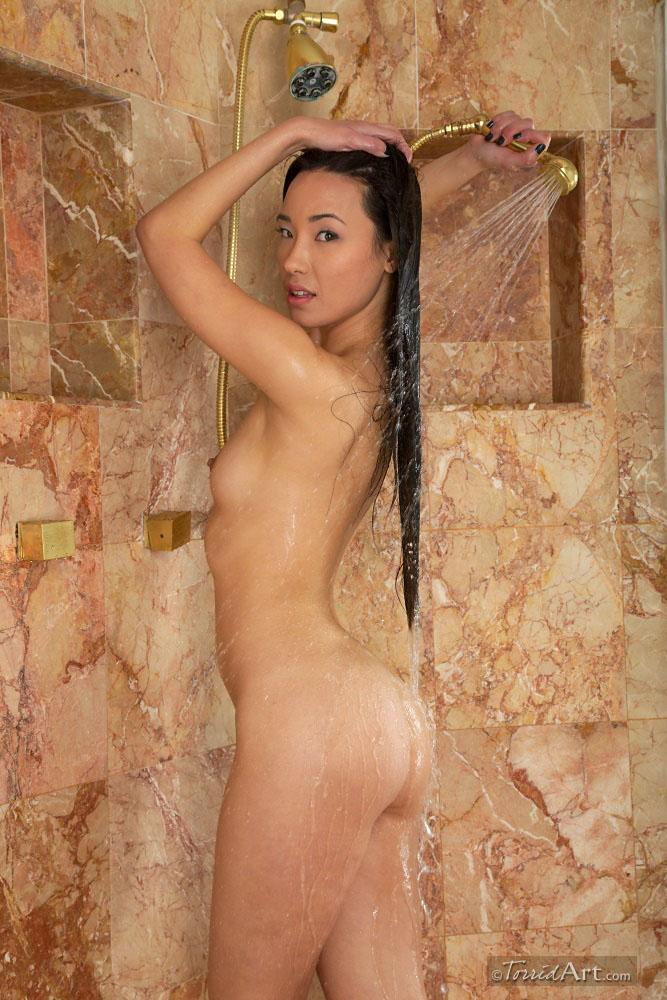 Miko Sinz takes a shower - 8