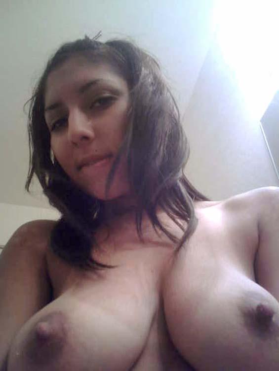 Busty samira makes a shy guy crazy with her amazing body - 2 8