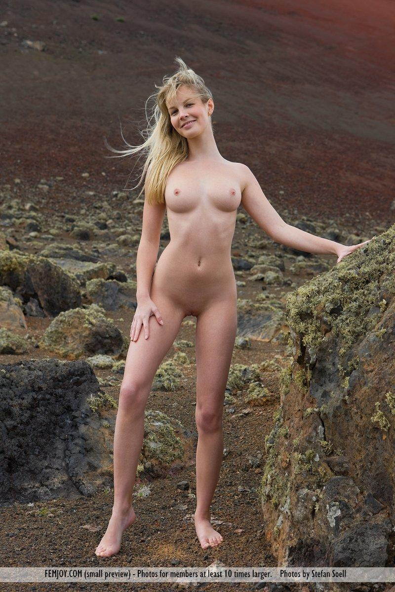 pretty malisa moir naked in nature 9 Real Homemade Cumshot Clips   OUR HOME CLIPS