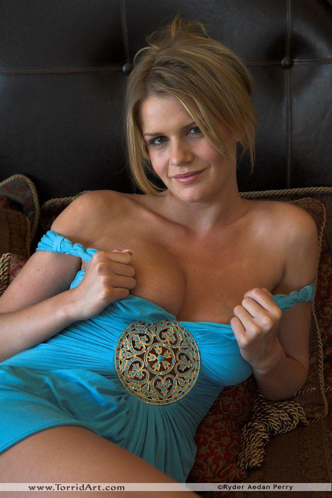 Busty Lisa Neils in blue dress - 4