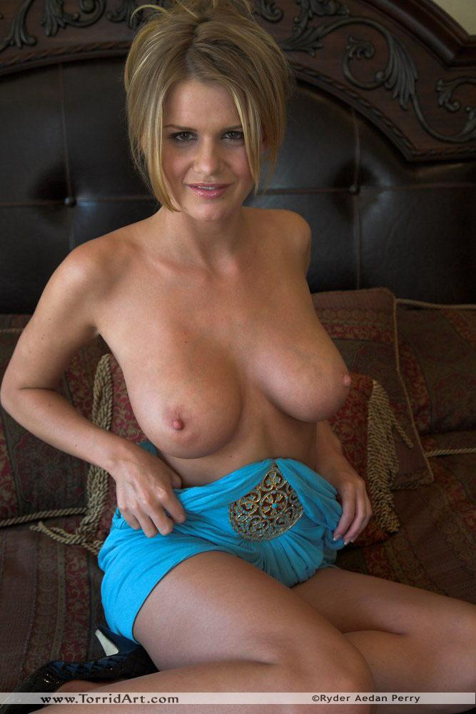 Busty Lisa Neils in blue dress - 5