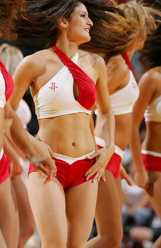 Slam dunking cheerleaders - 11