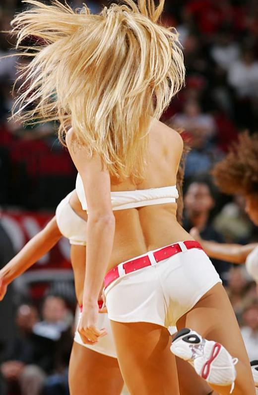 Slam dunking cheerleaders - 14