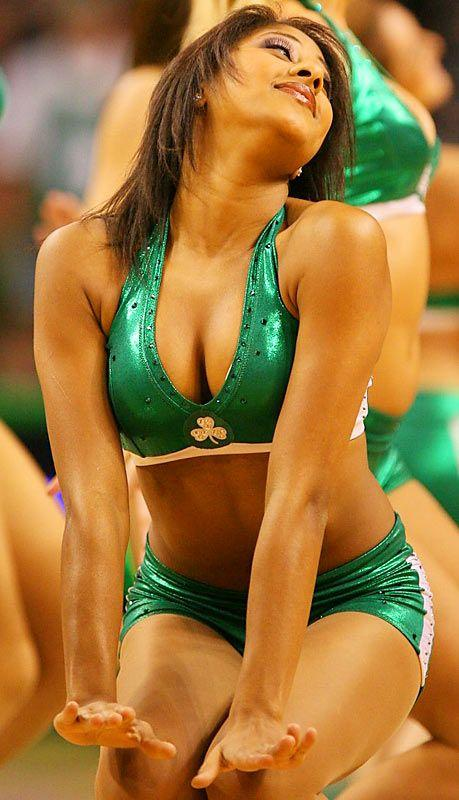 Slam dunking cheerleaders - 19