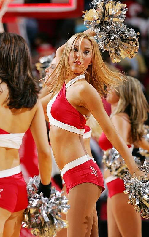 Slam dunking cheerleaders - 9