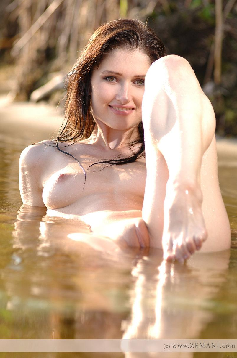 Wet chick with nice pussy - Assole - 10