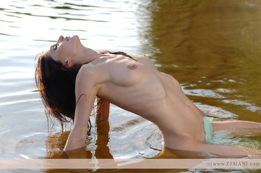 Wet chick with nice pussy - Assole - 7