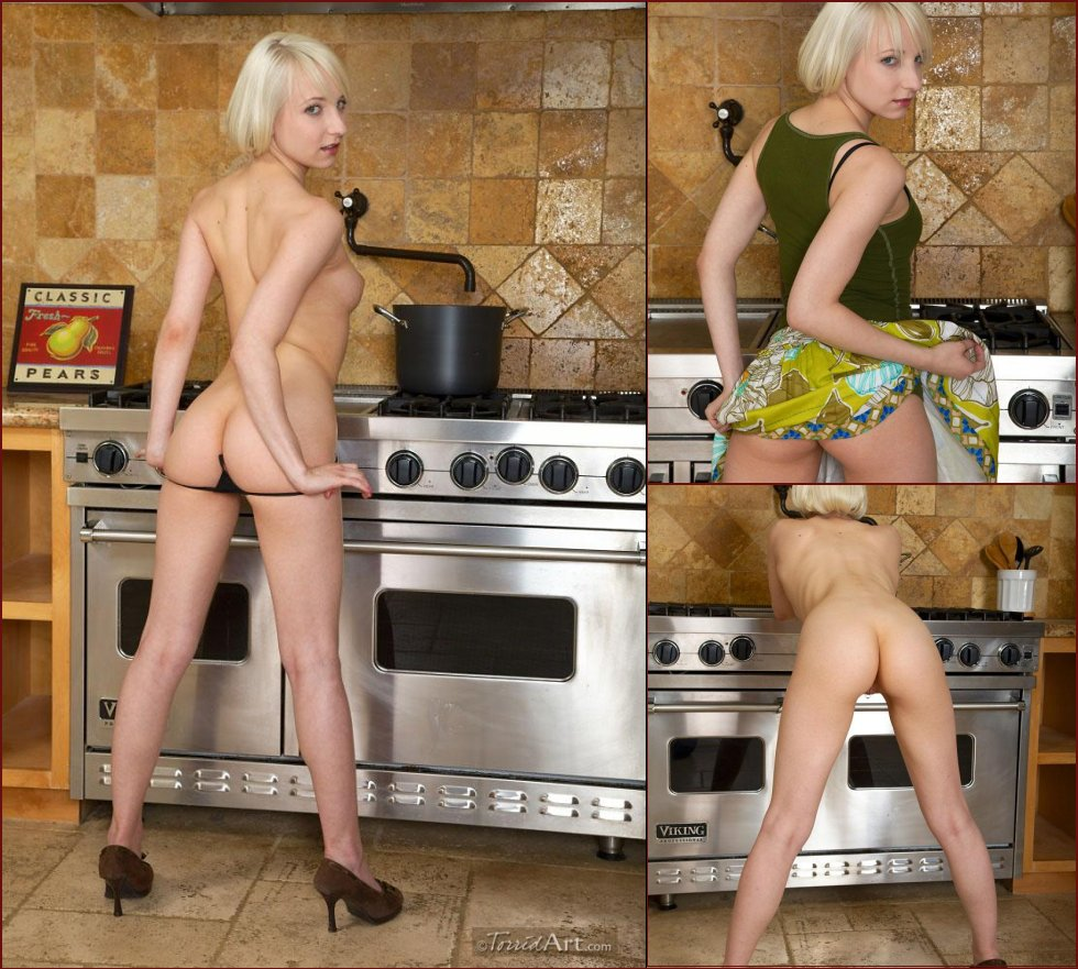 Great ass in kitchen - Ashley Jane - 2
