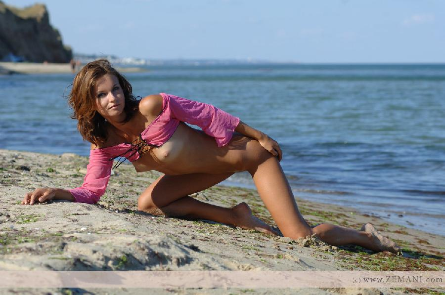 Young Viska on the beach - 9