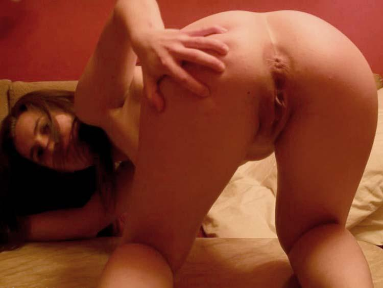 Nice girl shows her hot naked body - 5