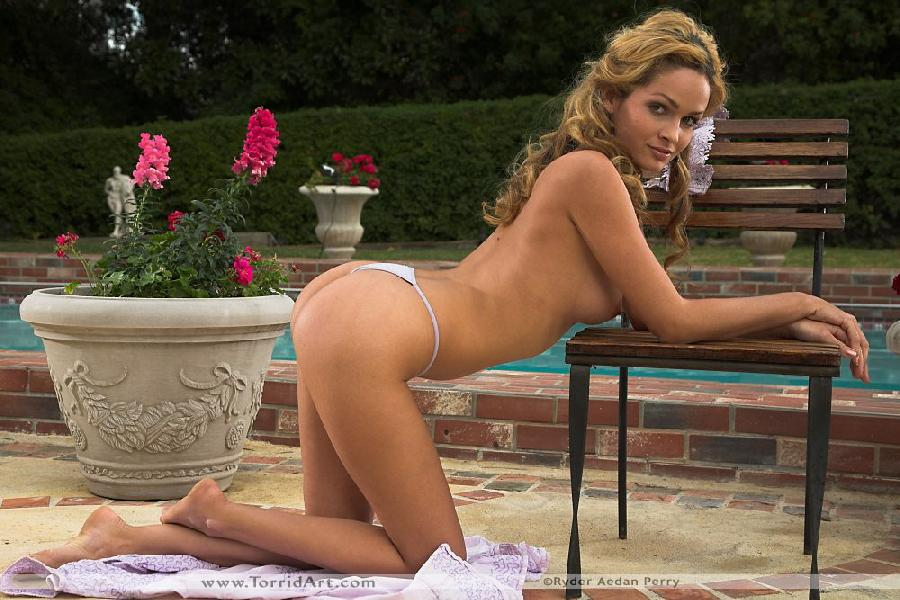 Great Prinzzess striping by the pool - 7